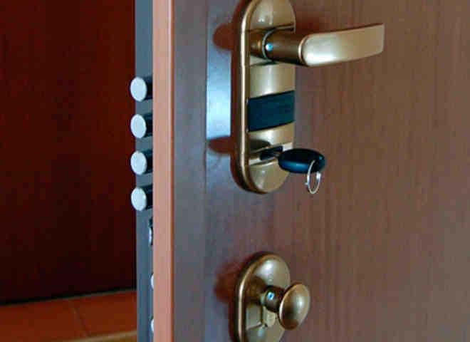 puerta de seguridad 660x480 - Puertas blindadas de alta calidad en Barcelona con certificado de seguridad grado 3 4 y 5