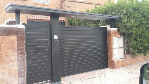 puertas parking 02 2020 - Reparar Puertas de Parking Garaje